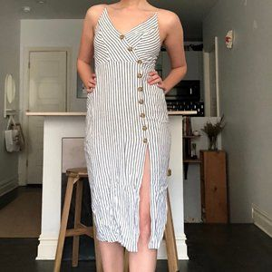 Midi Urban Outfitters dress with buttons and slit